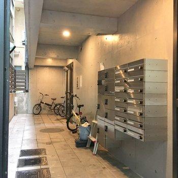 宅配ボックスやオートロックも付いてますね。