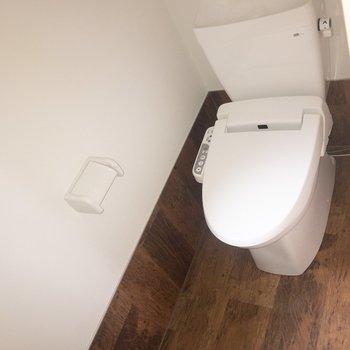 トイレも収納のスペースの確保を。