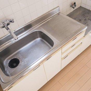 シンクが広いと、洗い物が楽なんですよね。
