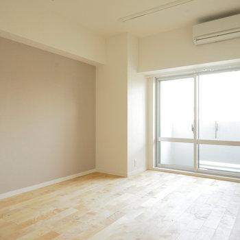 カバサクラの無垢が優しい色合い◎※写真は同間取り、別部屋の写真です
