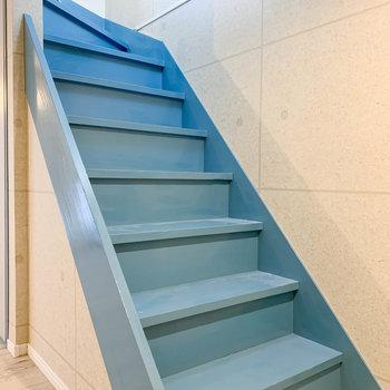 【地下1階】それでは階段を登って、再び玄関スペースへ。