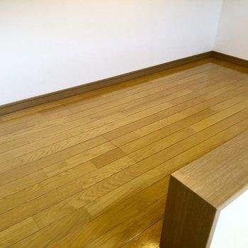 ロフトはこんな感じです。閉塞感はないですよ〜※写真は2階の同間取り別部屋のものです
