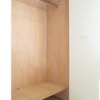 収納も使いやすく仕切られてますね。※写真は3階の同間取り別部屋、清掃前のものです