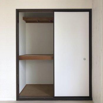 【LDK】日用品の収納によさそうです。※写真は2階の同間取り別部屋のものです