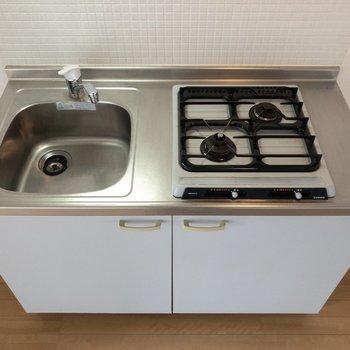 作業台などがあると調理スペースを確保できます。