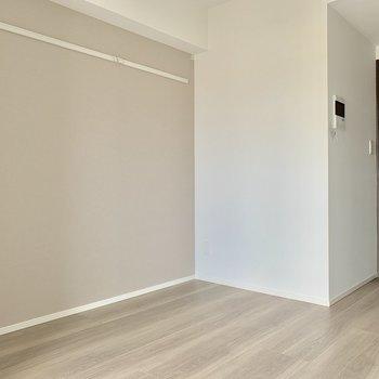 色に統一感があって落ち着きますね※写真は7階の同間取り別部屋のものです