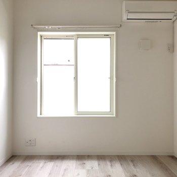 【2階】洋室は2階にあります