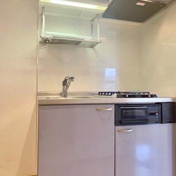 キッチン横に冷蔵庫が置けますよ