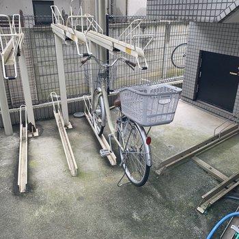 自転車置き場もありますよ