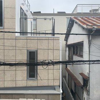 周りに高い建物が無いので圧迫感なども感じません