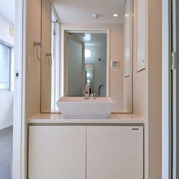 デザイン性高い洗面台