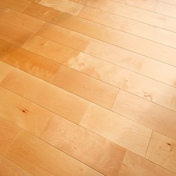【完成イメージ】床にはやわらかい印象のバーチの無垢材を。