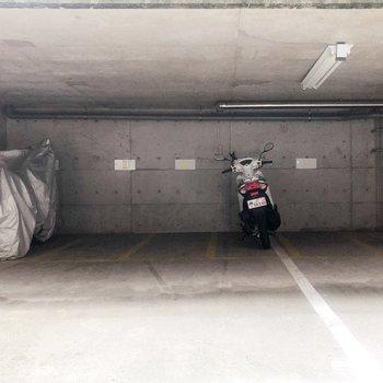 バイク置き場もありました!
