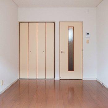 ナチュラルな雰囲気のお部屋ですね。