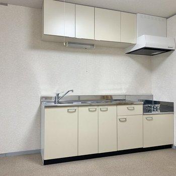【LDK】調理器具がたっぷり収納できるキッチン