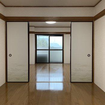 【洋室②】開けると広く感じますね