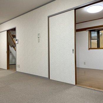 【LDK】洋室を手前から見ていきましょう