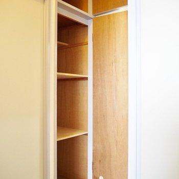 廊下の収納には日用品をしまいましょう※写真は5階の同間取り別部屋のものです