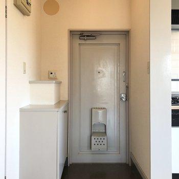 こちらが玄関。※写真は前回募集時のものです