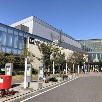千葉市中央図書館もありました。