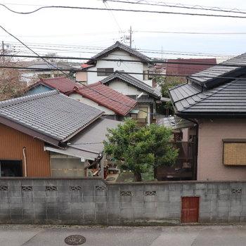 眺望は周辺の民家です