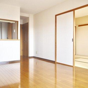 【LDK】引き戸を開けると空間の繋がりを感じます