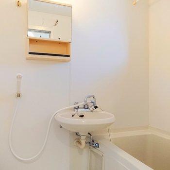 浴室は2点ユニットになっています。
