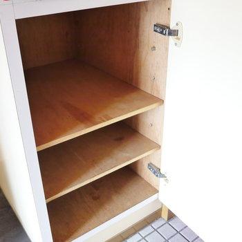 下段はこんな感じ。ここは靴箱に。