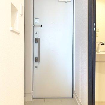 シンプルでちょうどいい広さの玄関
