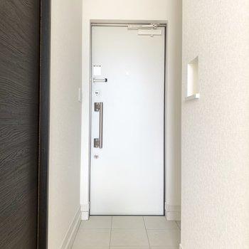 シンプル玄関。さらっとかっこいい