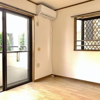 2面採光、角部屋です!※写真は1階の反転間取り別部屋のものです