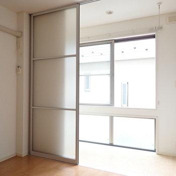 こちらがルームコート。※写真は2階の同間取り別部屋のものです