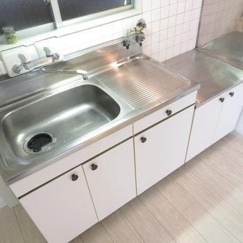 キッチンに調理スペースがしっかり