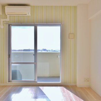 日当たりも良く爽やかな空間。※写真は同タイプの別室。