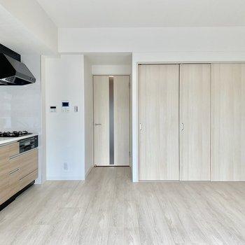 【LDK】木のぬくもりが優しい※写真は3階の同間取り別部屋のものです