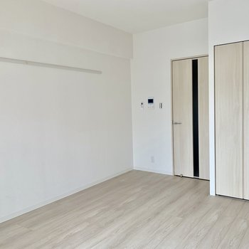 ピクチャーレールで個性を出したい※写真は3階の同間取り別部屋のものです