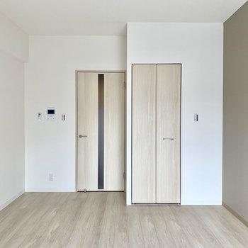 木のぬくもりを感じるお部屋※写真は3階の同間取り別部屋のものです