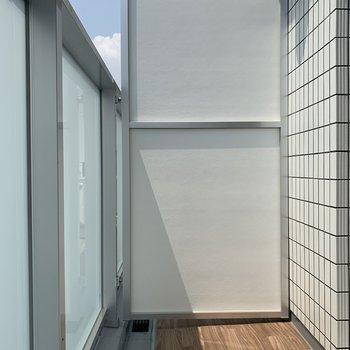 風通しの良いバルコニー※写真は5階の同間取り別部屋のものです