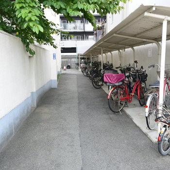自転車置き場もとにかく大きい
