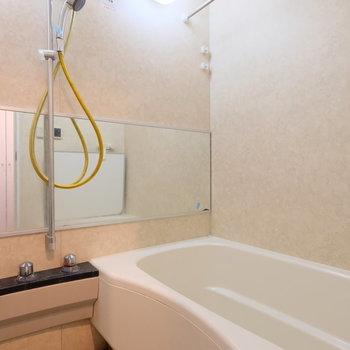 こんなに広い浴槽も珍しいです※写真は前回募集時のものです