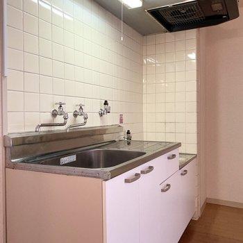 【DK】手前には冷蔵庫設置スペースもあります