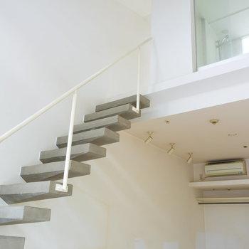 階段をのぼって2階へ