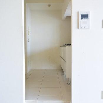 【下階】こちらにキッチンや水回りがまとまります