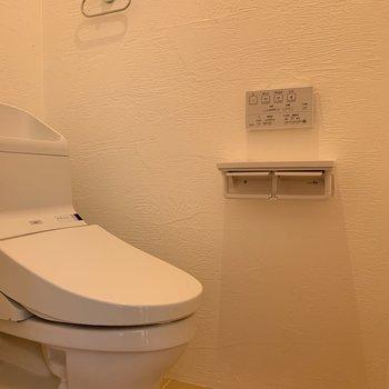 トイレにも無垢の素材が。※写真は前回募集時のものです