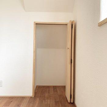 【DK】クローゼットの扉も無垢っ!※写真は前回募集時のものです