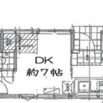 縦長のお部屋です。※間取り図は反転のものになります
