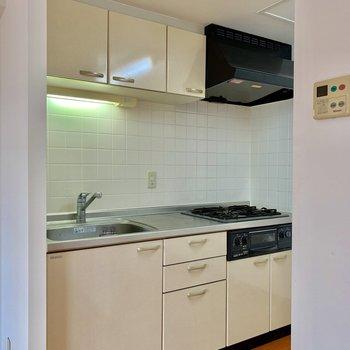 【ldk】上下に収納があるキッチン