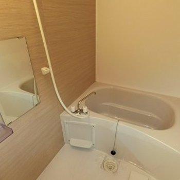浴室はゆったりサイズ。