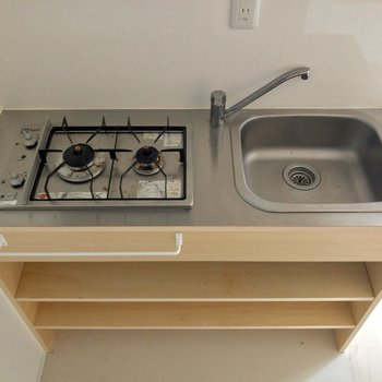 調理スペースがないワン。シンクボードなどを準備。※写真はクリーニング前のものです