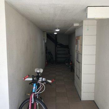 駐輪場ではありません 共用入口です♪